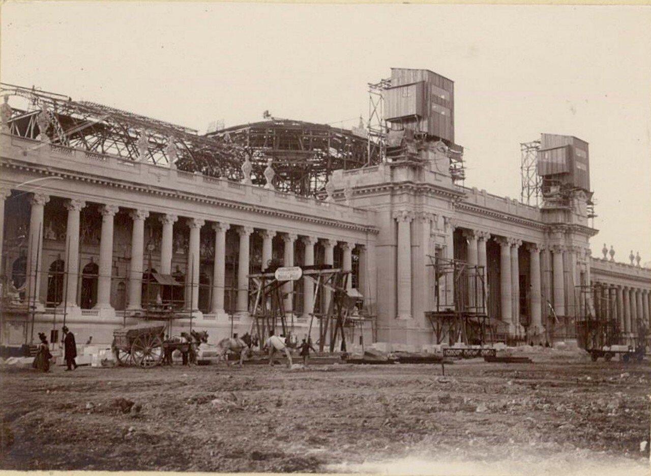 Строительство Большого Дворца изящных искусств