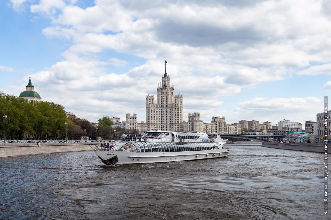 какие бывают речные банкетные теплоходы в москве