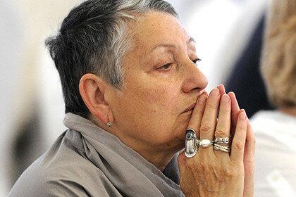 Писательницу Людмилу Улицкую облили зеленкой