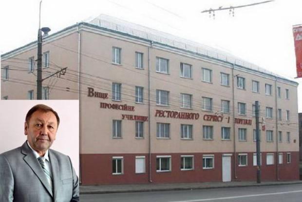 На Тернопольщине экс-директор училища, который пытал детей, восстановился на должности и отсудил 100 тысяч гривен