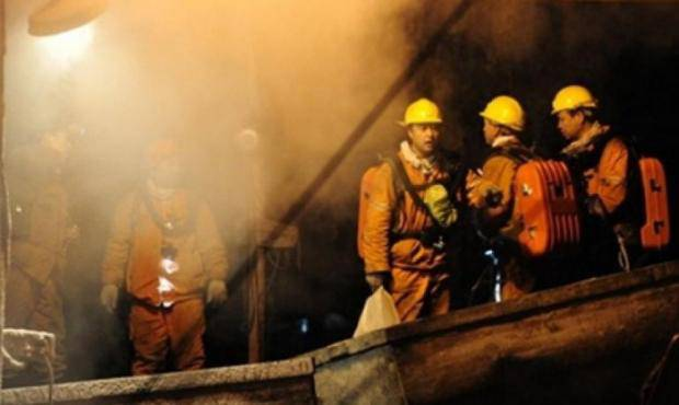 На Донбассе загорелась шахта с горняками