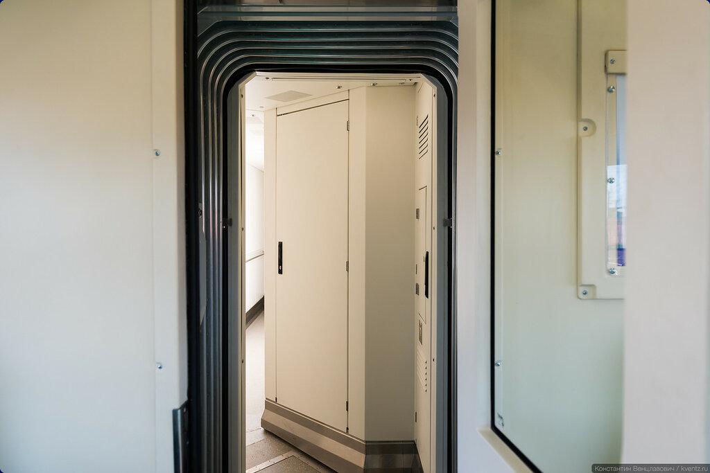 Вход сюда доступен для пассажиров