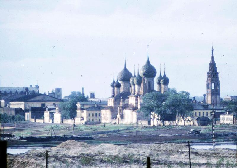 К Ярославлю относят также снимок водной станции автозавода, 1958 г., но твёрдых доказательств пока н