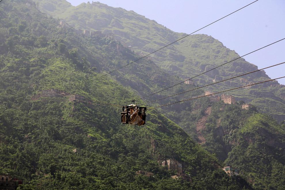6. Поездка на канатке. Кстати, смотрите тоже статью «Самая высокая канатная дорога в мире». (Фото Ab