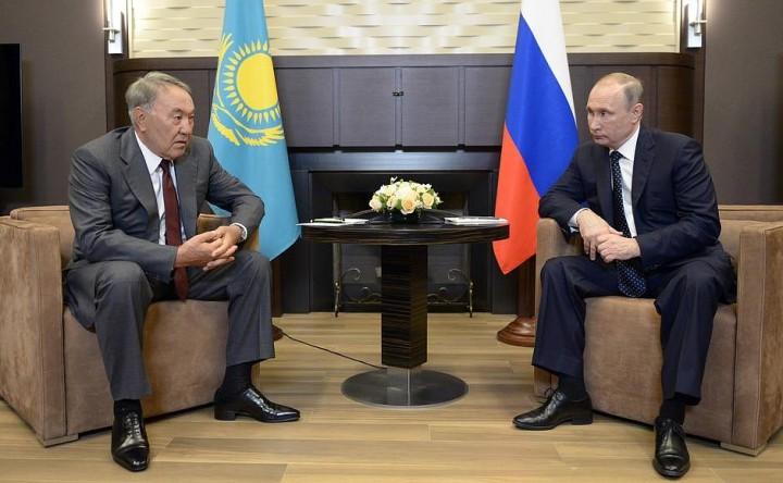 Порошенко склонен ккомпромиссам поДонбассу— Назарбаев