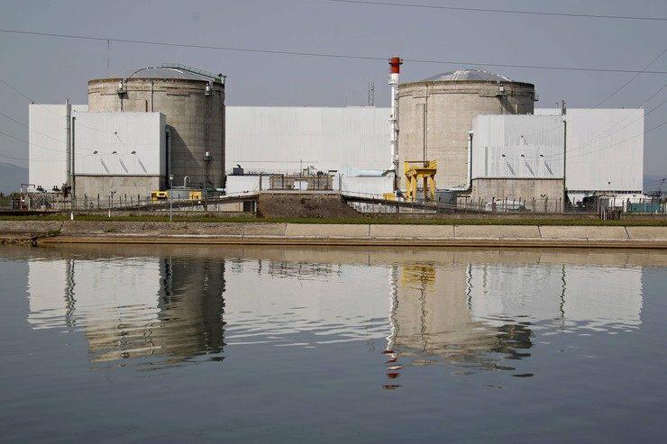 Франция к 2020-ому остановит работу старейшей вгосударстве АЭС