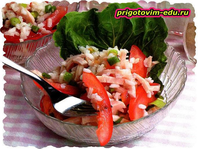 Салат из ветчины с сыром и помидорами