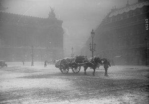 1916. Снег в Париже