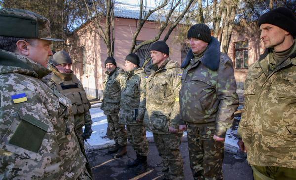 Украинские воины за последние 2 года получили около 4,5 тыс. квартир, - Порошенко