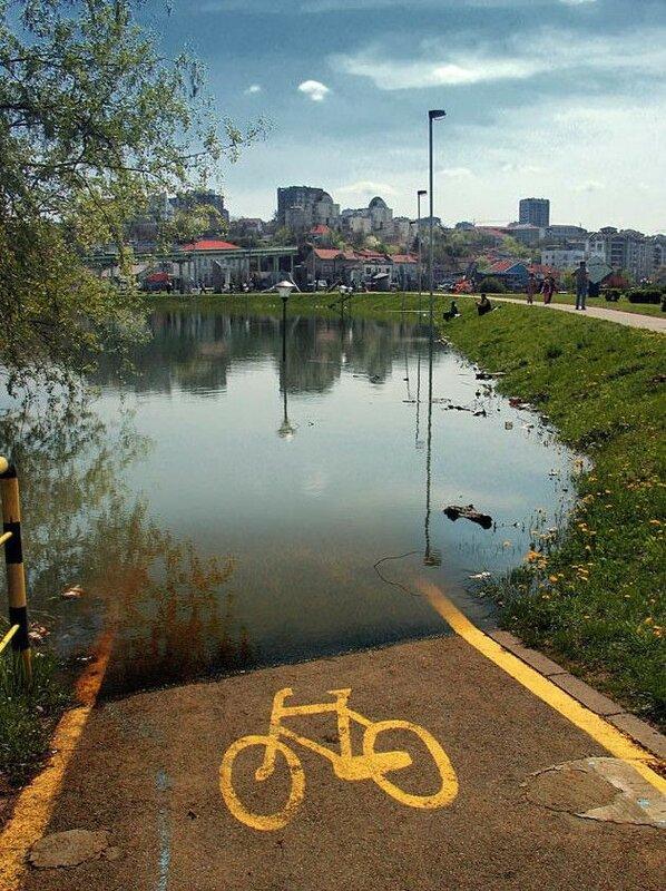 0 1e8832 f6290a1 XL Доказательства тяжелой жизни велосипедистов в городе: фото и видео