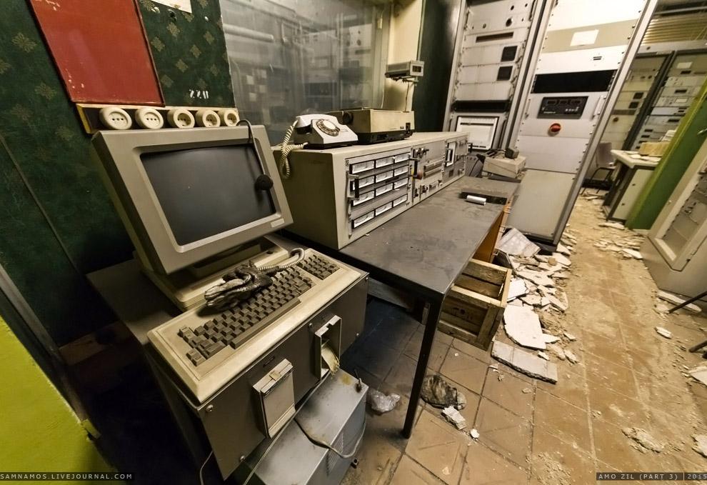 25. Все оборудование иностранное. Шкафы — бывшие сервера. Теперь объем данных нескольких таких