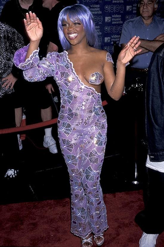12. Лил Ким на VMA, 1999 год