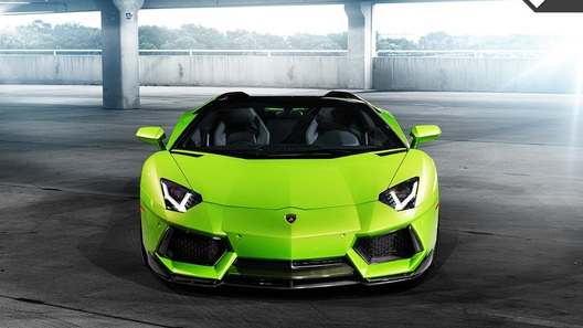 Lamborghini презентует новый Aventador