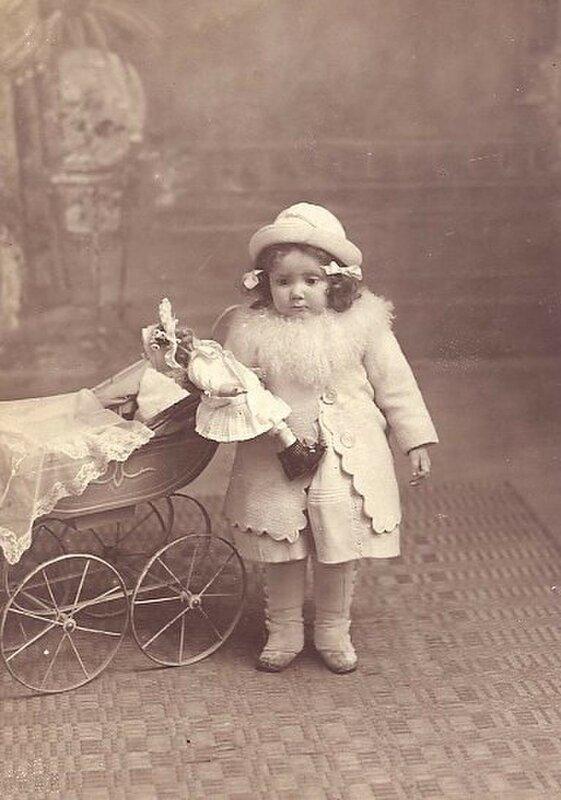 Старинные фотографии деток с куклами