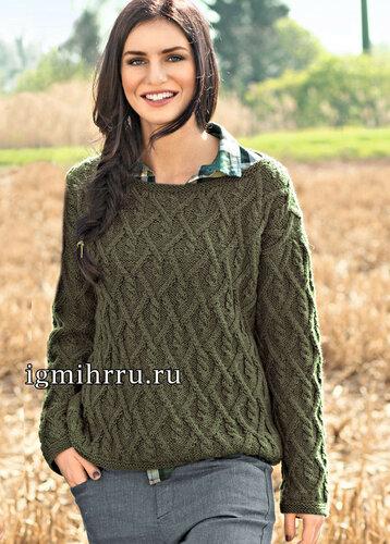 Классический шерстяной пуловер серо-зеленого цвета с узором из кос. Вязание спицами