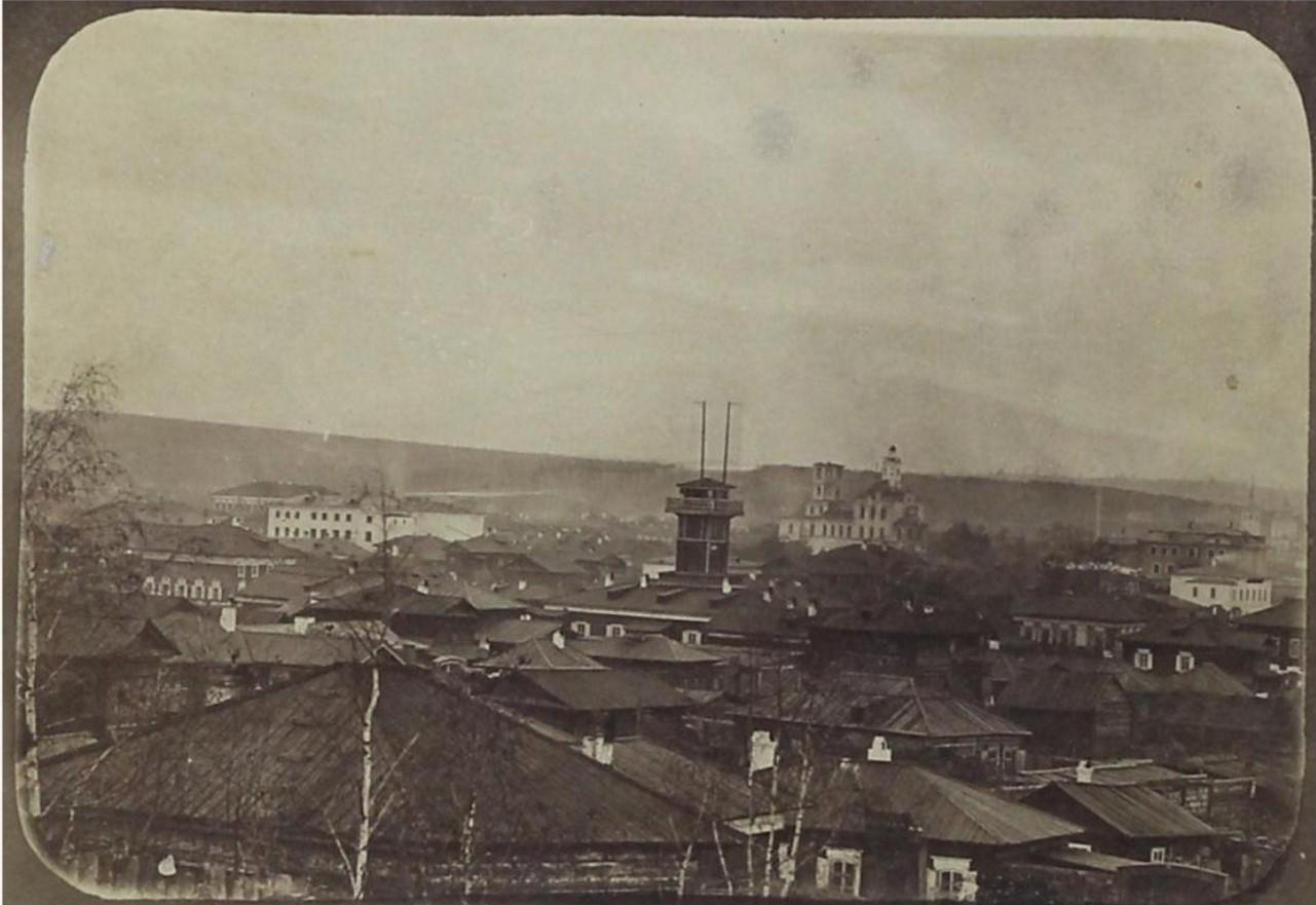 Вид от 3-ей Солдатской улицы до Харлампиевской церкви.1860-е