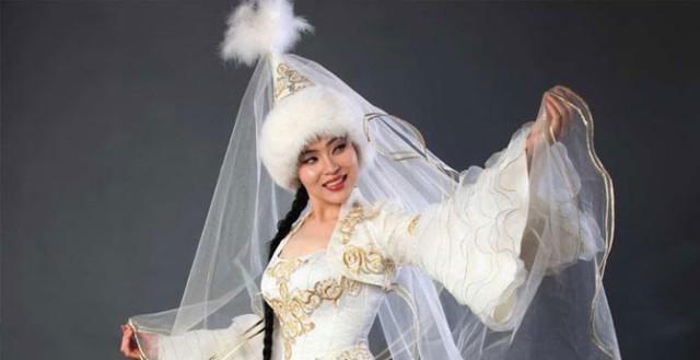 0 12947f a3764135 orig Свадебные наряды невесты в разных странах (головной убор)