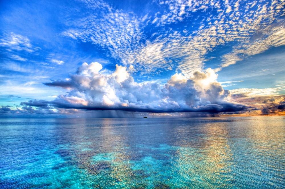 © Nic Adler ВМальдивской Республике более тысячи райских островов, рассыпанных вбирюзовых водах И