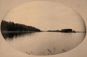 Вид на акваторию Сайменского канала с Островом любви.