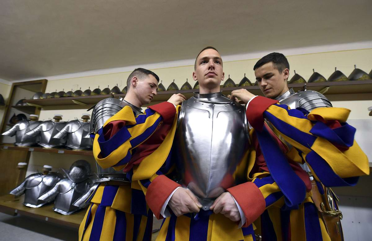 Швейцарская гвардия Ватикана: Новобранцы присягают на верность Папе Римскому (5)