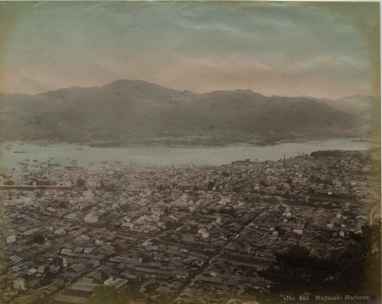 Нагасаки. Панорама города и гавани