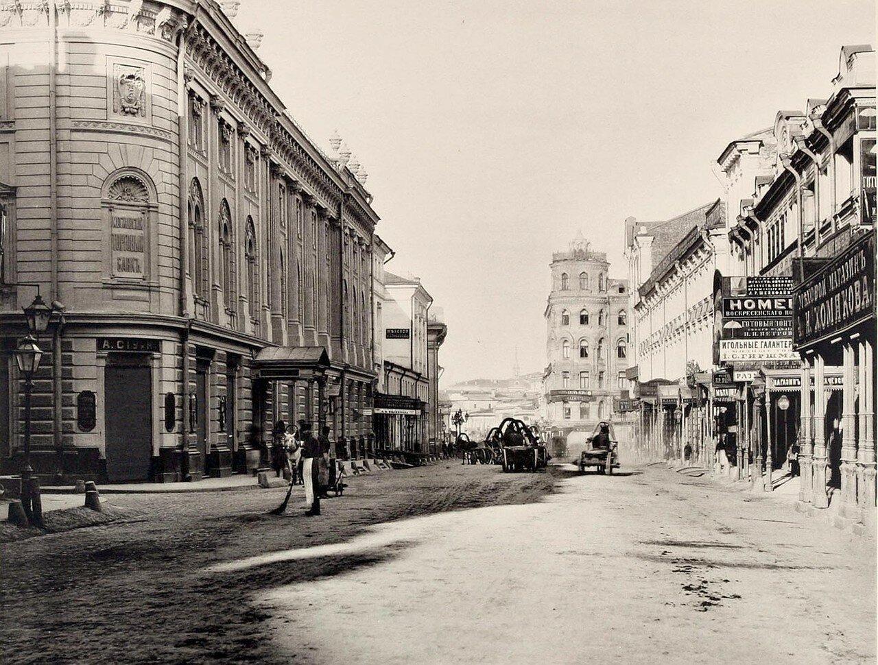 330. Вид Ильинки (от Юшкова переулка к Бирже)