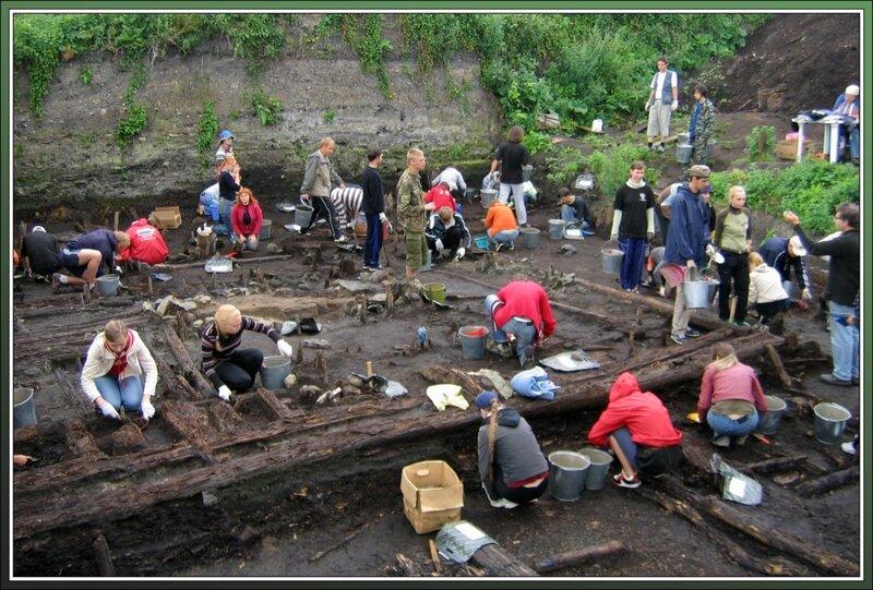 На раскопе Дома викингов, Старая Ладога