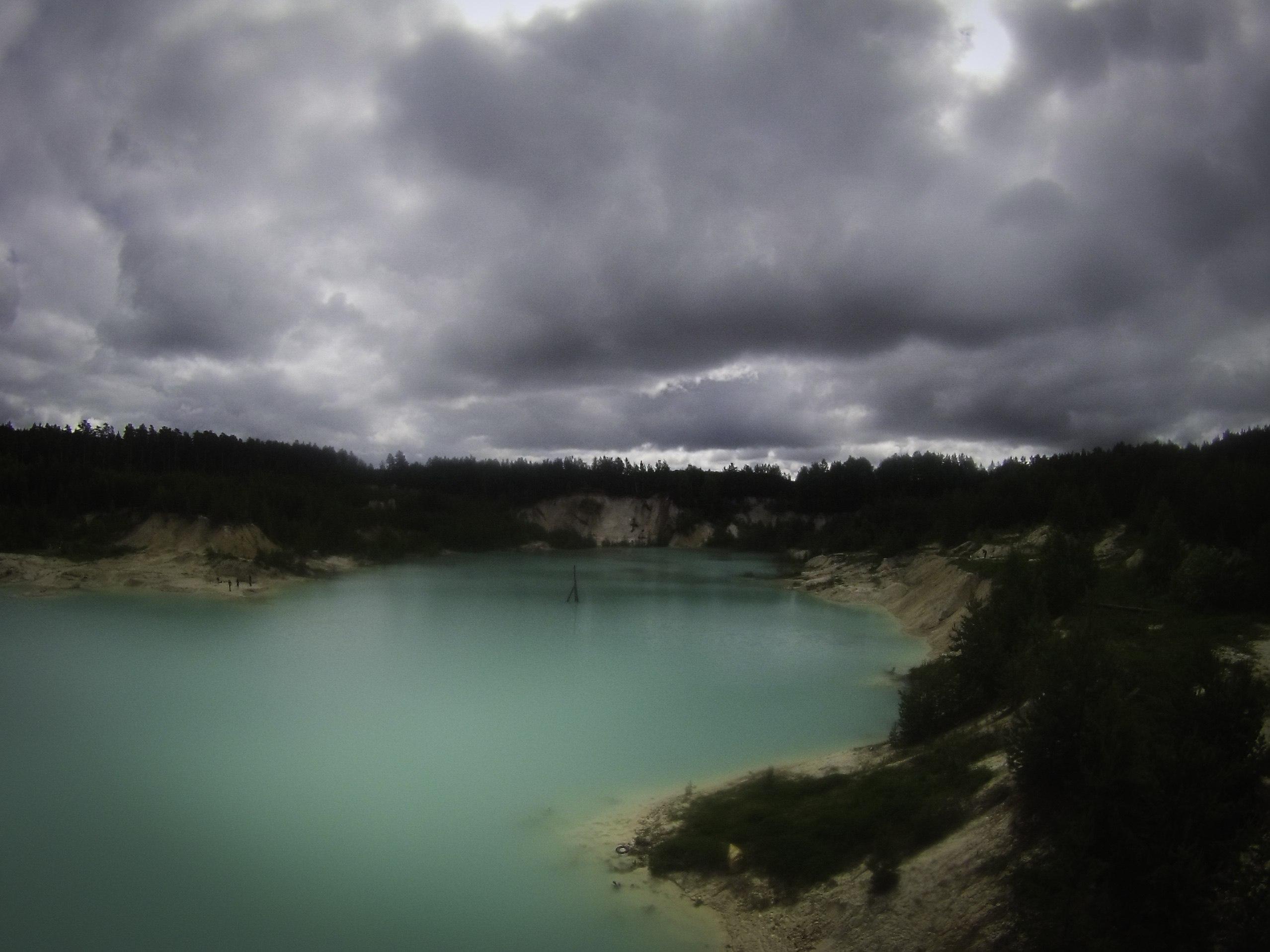 Лазурная вода каолинового карьера (15.06.2015)