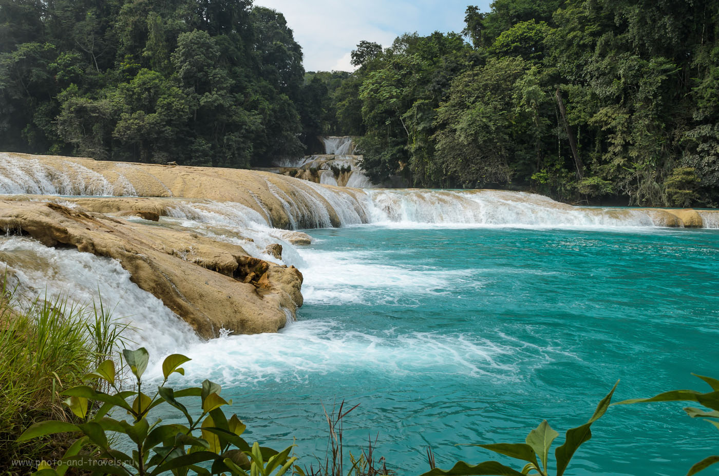 Фото 3. Что посмотреть недалеко от Паленке? Водопад Агуа-Асуль... Отчеты туристов о поездке дикарем по Мексике.