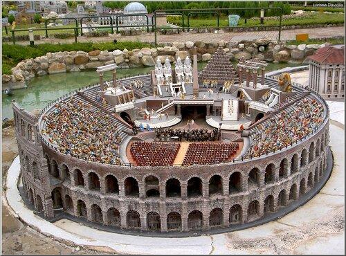 Макет арены в Вероне.