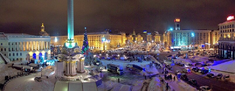 Вид от гостиницы Украина на Майдан Незалежности
