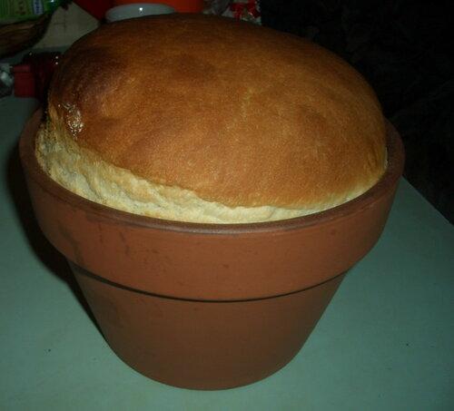 Заварной хлеб в цветочном горшке