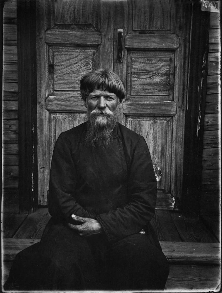 Настоятель молельни поморцев в Семеновском уезде. 1897 г. Негатив 18 ? 24 см.