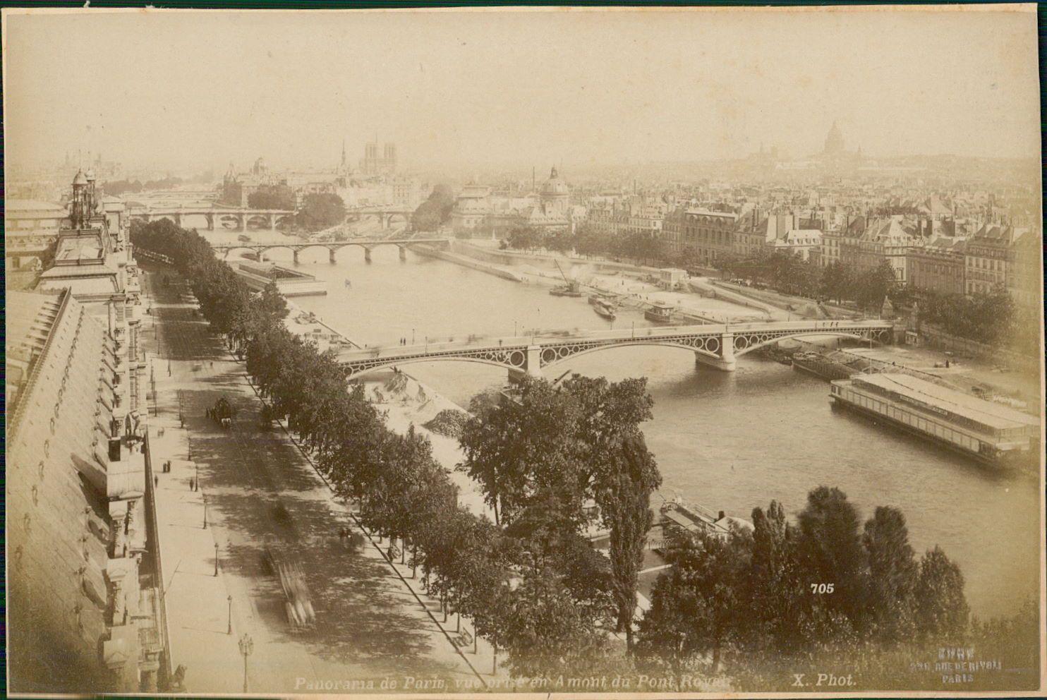 1889.  Панорама Парижа вверх по течению от Королевского моста