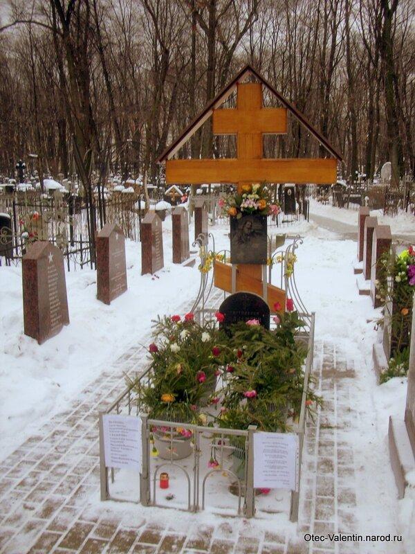 Крест установлен монахами с о. Валаама
