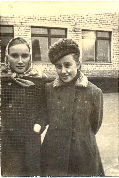 Валя и Алла. 1972 г.