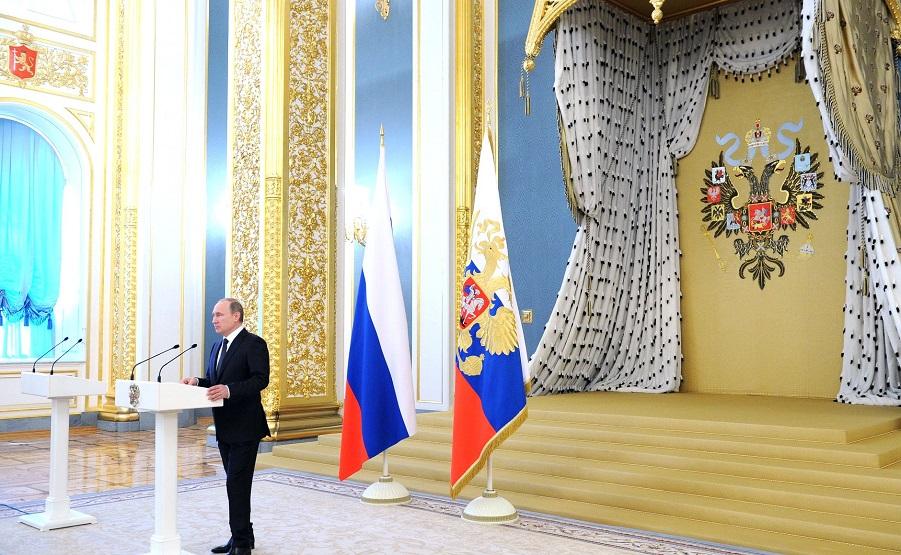 Путин на приеме в честь выпускников силовых ВУЗов.jpg