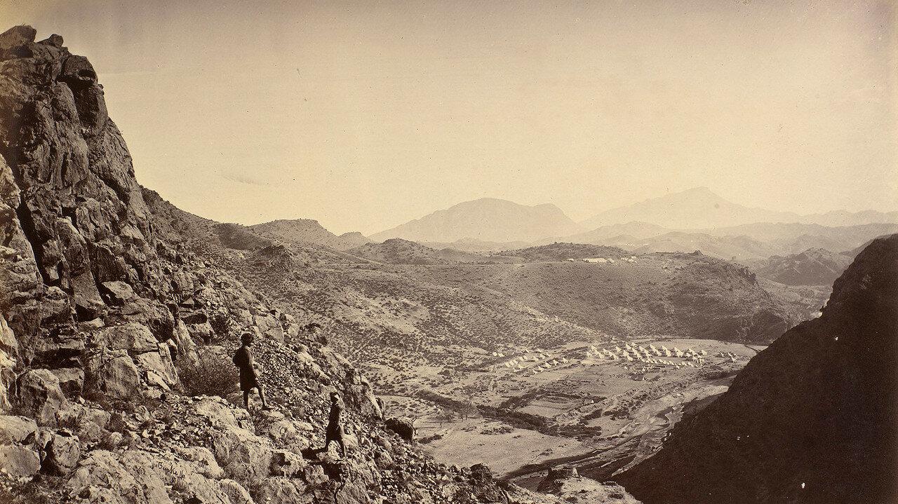 03. Британский военный лагерь на Шагайских высотах. Вид из крепости Али Масджид