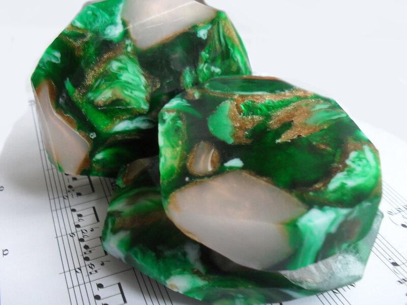 Мыло своими руками камни