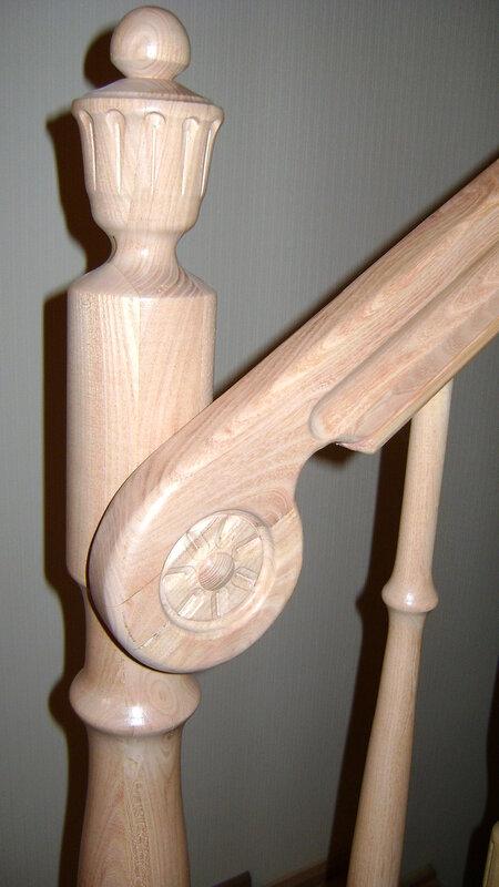 Деревянная лестница(дерево-акация)