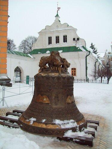 Новый колокол Печерской лавры