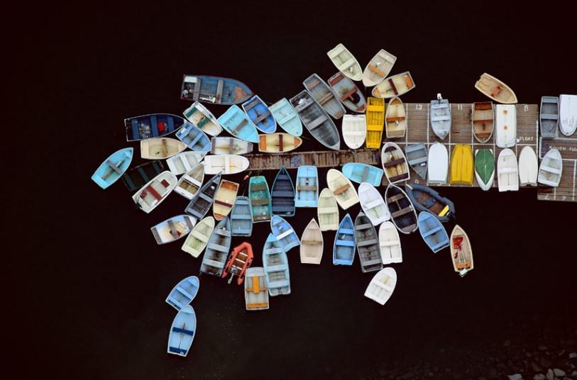 17. Лодки у причала, Даксбери, Массачусетс, США, 1993 г. (Alex MacLean / Beetles+Huxley)