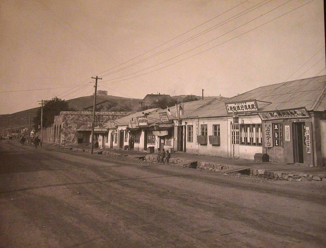 10. Вид домов на одной из улиц города
