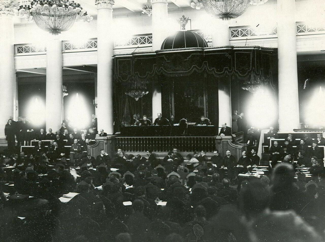09. Вид части зала дворянского собрания во время совместного заседания Государственного Совета и Второй Государственной Думы