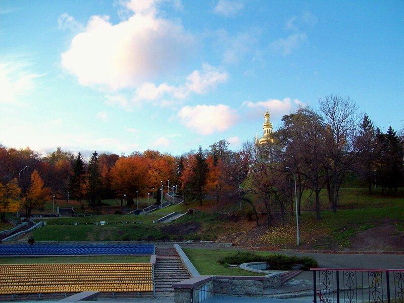 Певческое поле осенью
