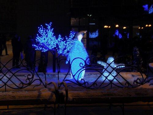 Астрахань,Новый Год-2009 у офиса ГАЗПРОМа