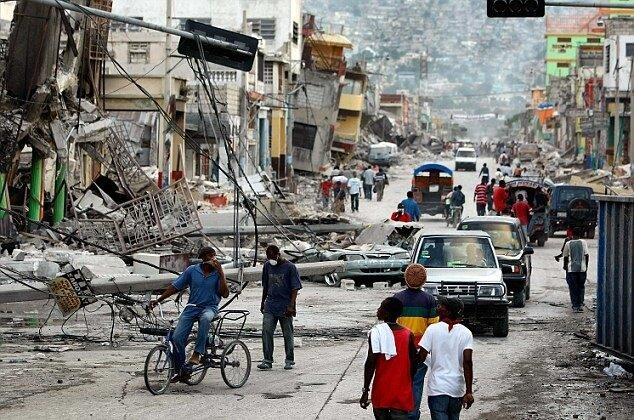 Анархия на Гаити Haiti Struggles With Death And Destruction After Catastrophic Earthquake