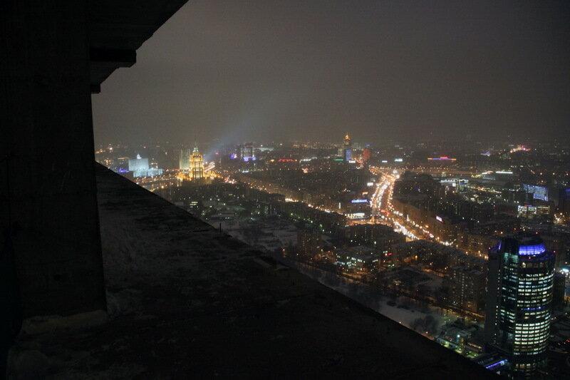безжалостно обгоняет фото зимней ночной москвы с крыши его