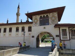 Ханский дворец в Бахчисарае - северные ворота дворца