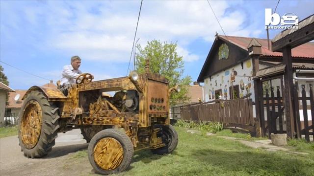 Венгерский умелец собрал деревянный трактор
